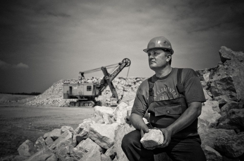 Blog post: Mining Industry: Rely on a Specialized Freight Forwarder